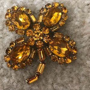 Jewelry - Antique Pin